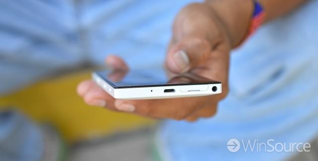 Nokia-Lumia-928-13
